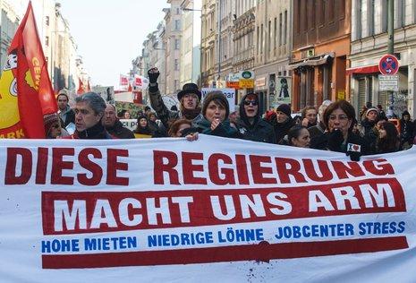 Laut und Bunt: Demonstration gegen steigende Mieten und für höhere Löhne<br /> Foto: Theo Schneider