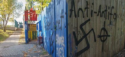 Nazischmierereien am Anton-Schmaus-Haus, Berlin-Neukölln Quelle: Theo Schneider