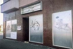 "Leer geräumt: Berlins beliebteste Neonazi-Kneipe ""Zum Henker""; Photo: Th.S."