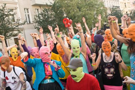 150 people gather in Berlin Prenzlauer Berg for a
