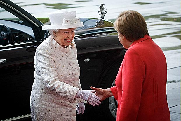he queen visited Angela Merkel, the chancellor, at her offices Theo Schneider / Demotix