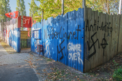 Anton-Schmaus-Haus in Berlin erneut von Neonazis attackiert; Photo: Th.S.