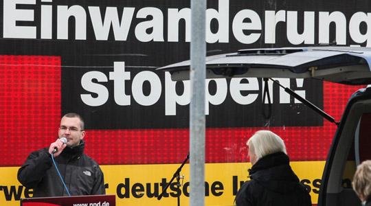 NPD-Landeschef Sebastian Schmidtke hetzt gegen Einwanderung © Christian Jäger